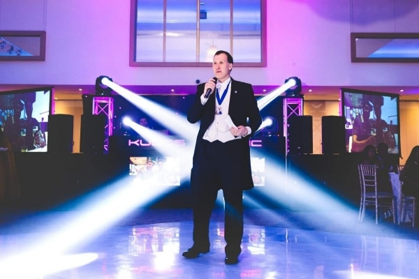 Wedding-Toastmaster-How-Much-Do-I-Really-Need-One-600x400 Blog